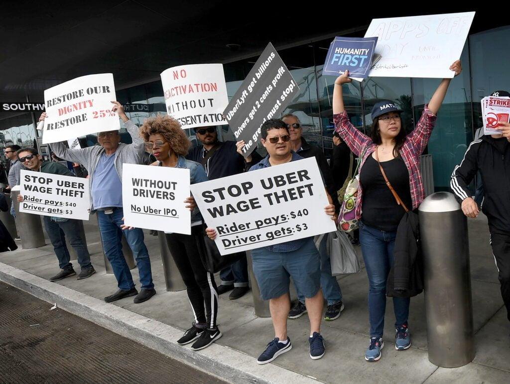 Uber și companiile de ride-sharing și delivery au câștigat referendumul în California: șoferii lor vor fi contractanți independenți